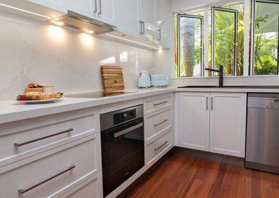 port-douglas-accommodation-with-kitchen